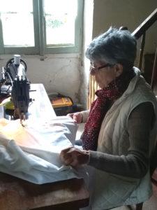 Couture des housses pour les mousses du lit
