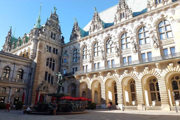 Hambourg - cours hôtel de ville